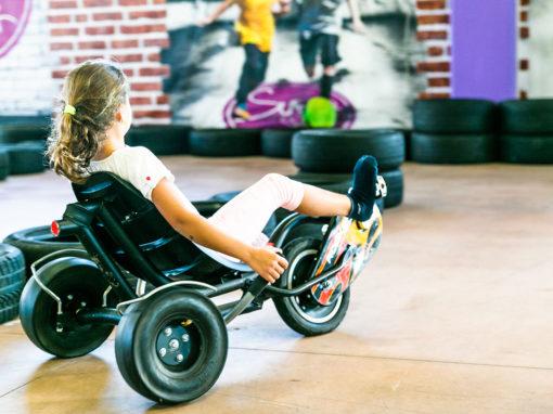 macchinine-a-pedali-bambina-superpark